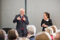 Dr. Viktor Jörgens, und Prof. Dr. Dr. Andrea Icks in der Diskussion
